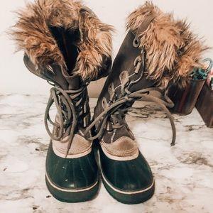 Sorel Joan of Artic Boots in Grey